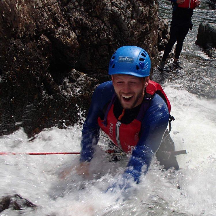 Esk gorge canyoning